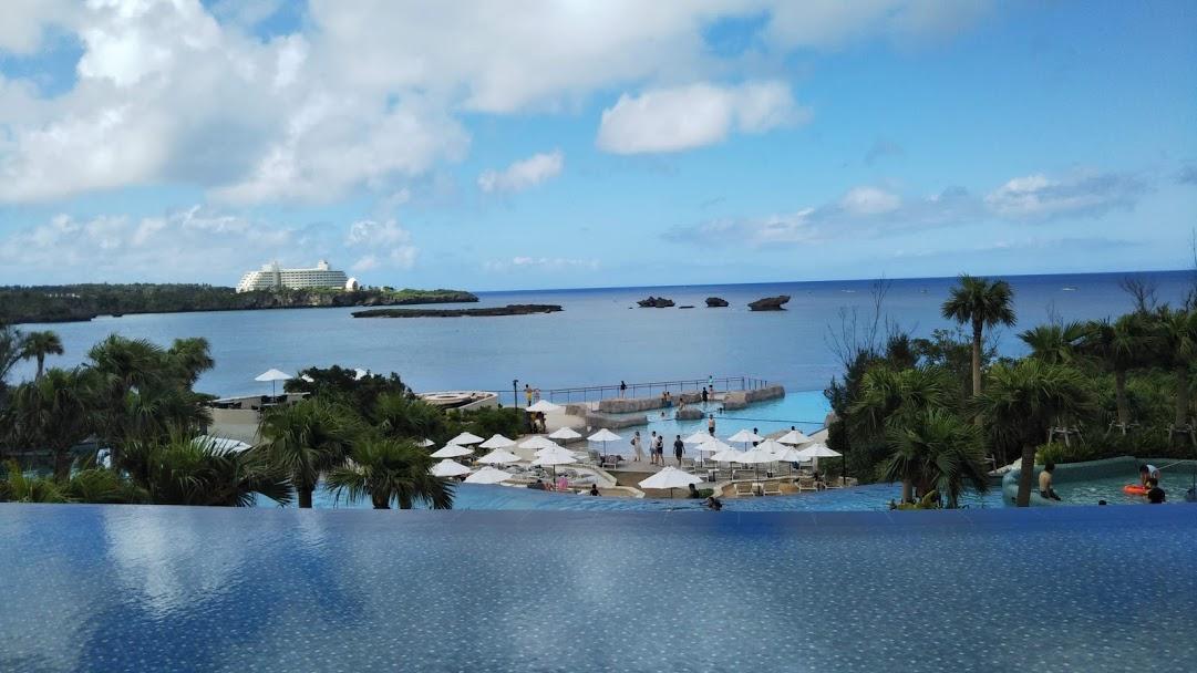 沖縄のプール